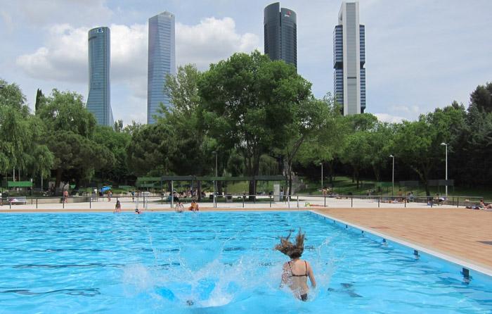 piscinas para pasar el verano en madrid encuentra cosas